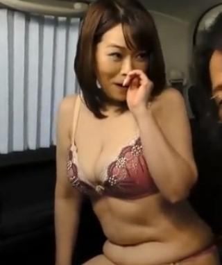 ♥「奥さん下着見せて下さい♥」五十路の生々しい垂れ乳三段腹のおばちゃん裸体…ホルスタイン乳でイキ狂っちゃう♥