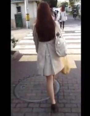 ♥逆さ撮り盗撮x1日中付き纏い「今日はこの娘のパンツ撮影しよう♥」隠し撮りされまくる生々しい純白パンツ♥