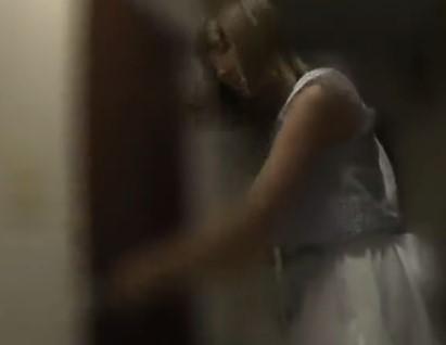 ♥終電逃してホテルハメした後♥家についてっていいですか?♥レイヤーさんのお宅に着いていくと下着が干していて…